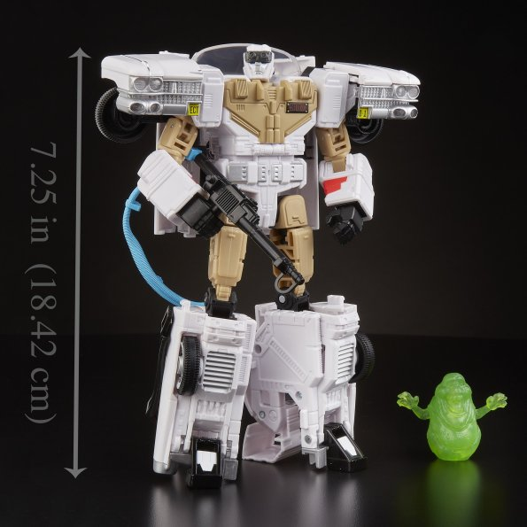 E6017_Transformers_Generations_Collaborative_Ghostbusters_Mash-Up_Ecto-1_Ectotron_01_2000x
